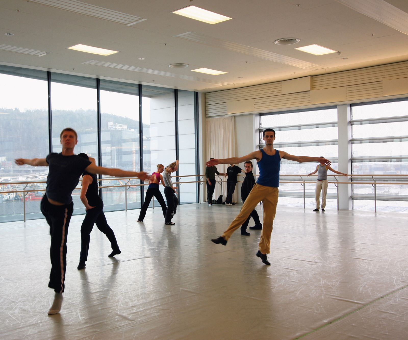 Dancers in rehearsal. Photo: Statsbygg