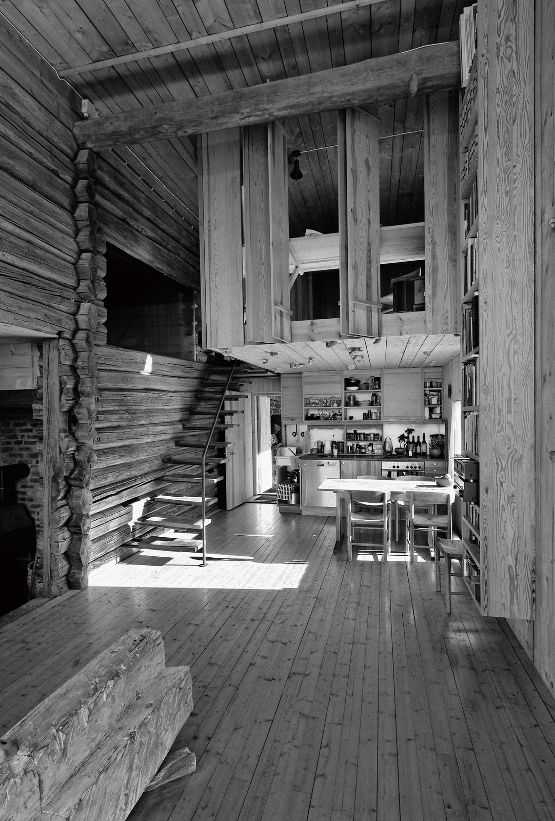 Farmhouse at Stange, Vestfold, remodelling for artist Knut Wold. Architect: Are Vesterlid.